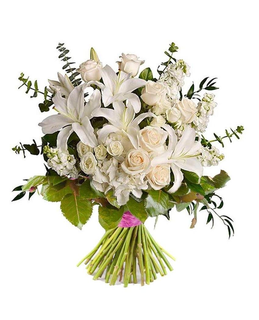 Ramo de rosas blancas y lirios