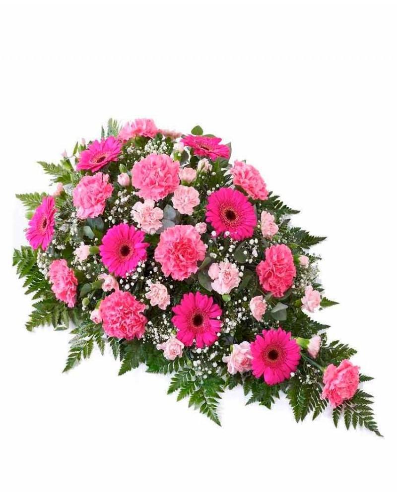 Centro de claveles, gerberas y rosas